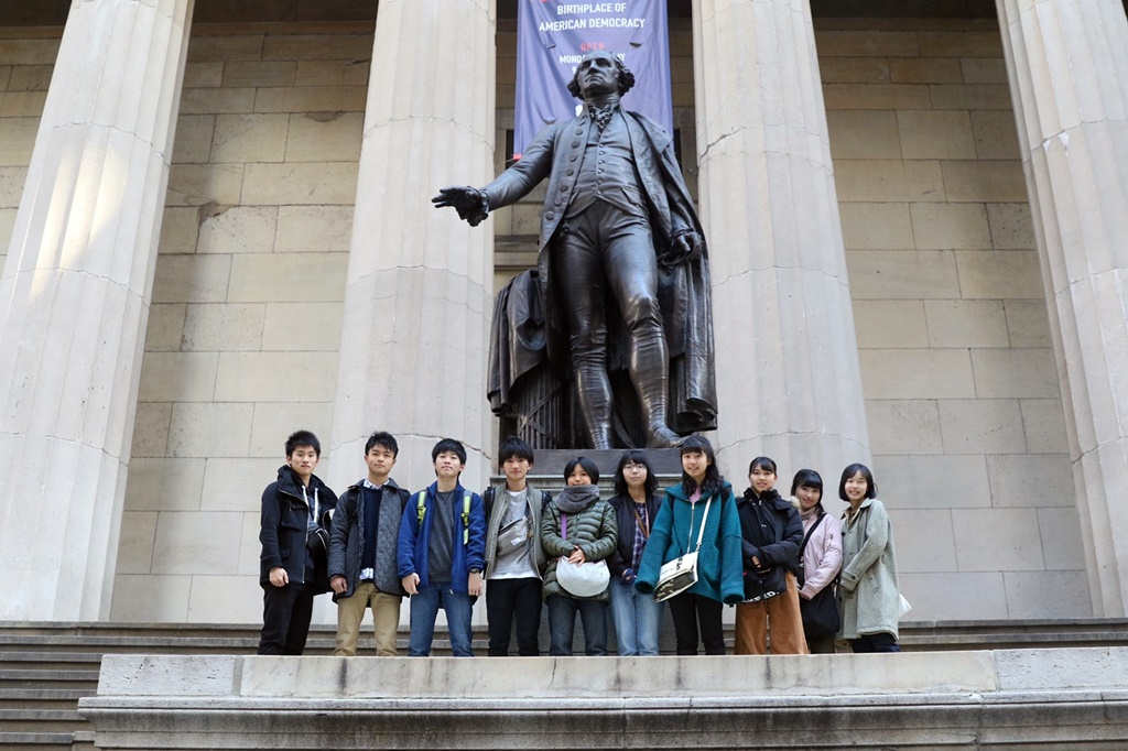 Federal Hall National Memorialとジョージ・ワシントン像