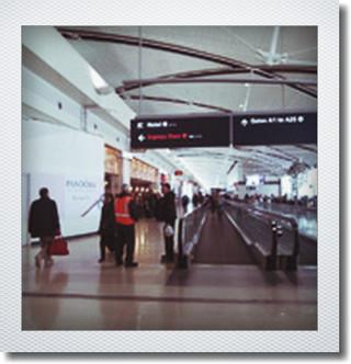 デトロイト空港に到着