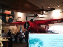 航空宇宙博物館本館アメリヤ・イヤハートのロッキード「ベガ」